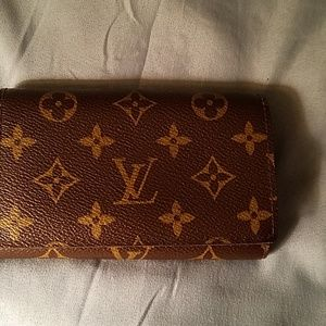 Authentic louis Vuitton small wallet